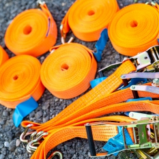 Für einwandfreie Spanngurte sorgt der Verein, wir prüfen diese vor jedem Gebrauch und Verleih der Rampe.